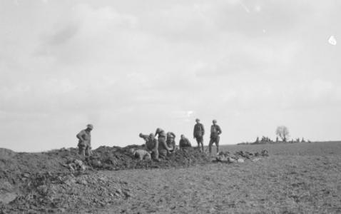 3rd Division Infantry digging trenches at Mericourt  March 1918. Photographer unknown, photograph source AWM E01849