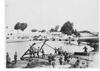 3rd Field Company Engineers  training in construction of Pontoon Bridges, Mena 1915. Photographer unknown, photograph source AWM A02643
