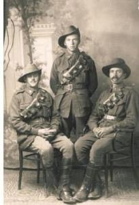 4th Division Signallers. G.A. Lydiate on rt. Photograph sourced and reproduced with permission of the Lydiate family