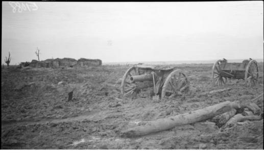 Abandoned guns at Westhoek after Battle of Passchendaele October 1917. Photographer unknown, photograph source AWM E01088