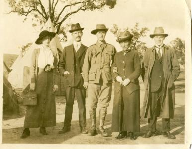 Eva, Thomas, Reginald, Ada, and Frank Cockshott at Blackboy Hill in 1915. Photograph reproduced with permission of M. Flecker