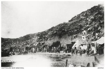 Casualty Clearing Station on the Beach, Anzac Cove,Gallipoli 1915. Photograph donor T.Yeomans, photograph source AWM A0576