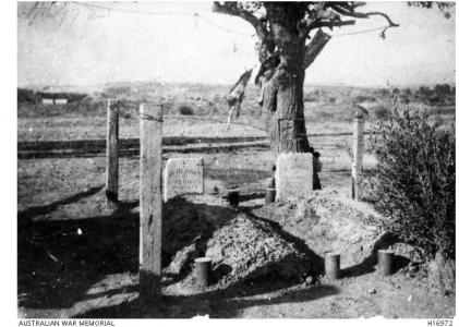 Gallipoli Graves of Gibbs left and H.J. King on right 1915. Photographer unknown, photograph source H16972