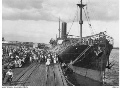 HMAT 'Commonwealth' A73 at Brisbane Port, Q'land 1915. Photographer unknown, photograph  source AWM HO2236