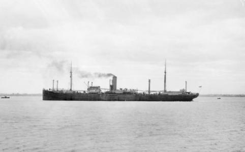 HMAT 'Port Melbourne'. Photographer Josiah Barnes. Photograph sourced from AWM B0259