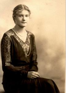 Hilda Hillman, wife of Herbert. Wilkie St.South Guildford. Photograph from Helene B. Huelin Collection, photograph source Hillman family