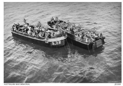 Horses and Guns going ashore at Gallipoli 1915. Photographer Darge Studios, photograph source AWM J0326