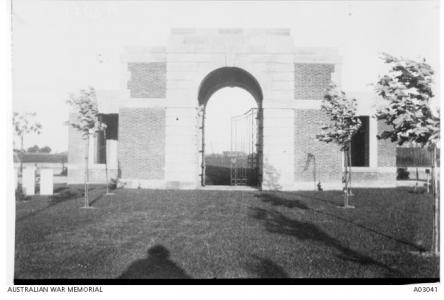 Lijssenthoek Cemetery, Flanders, Belgium.1228 Australian Soldiers graves. Photographer unknown, photograph source AWM A03041
