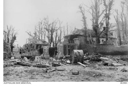 Ruins of Chateaux near Villers-Bretonneux 1918. Photograph sourced AWM E02983