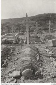 Shrapnel Valley Cemetery 1915. Photographer unknown, photograph source AWM H04036