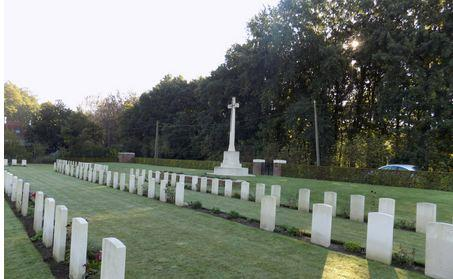 Underhill Farm Cemetery, hainaut, Belgium. Photographer unknown, photograph source CWGC